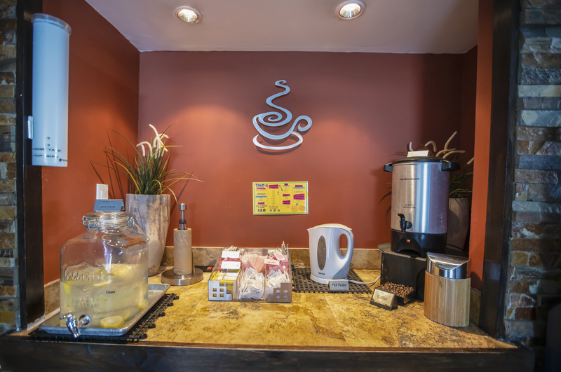 Hollywood Beach Suites Hotel Coffe Station